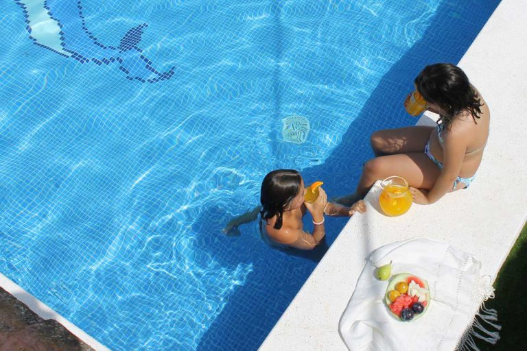 G-serafina-i-piscina-actividades-niños